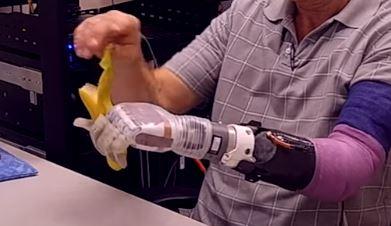 Luke Arm, la extremidad robótica que ofrece ayuda a personas mutilada
